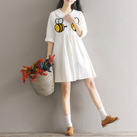 2017 Spring New Pattern Casual Small Fresh Loose Bees Embroidered A Doll Collar Long Sleeve