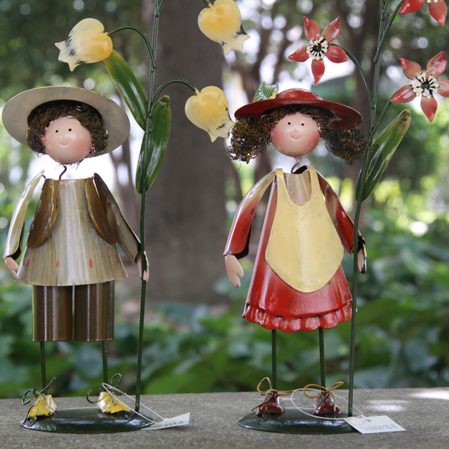 Genial Garden Figures Set Metal Dolls One Boy And One Girl 29*8*14CM