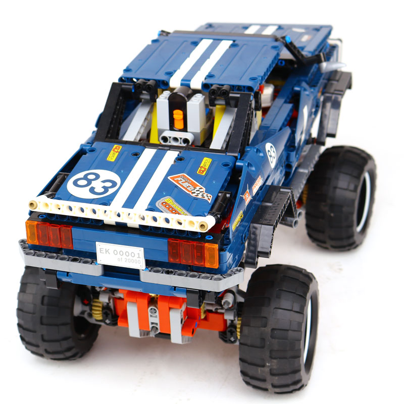LEPIN 20011 Technic series Super limited edition of off-road vehicles Model Building blocks Bricks Compatible Toy LegoING 41999 in stock lepin 20011 1605pcs technic suv 4x4 crawler exclusive edition model building kit set blocks brick toy gift 41999
