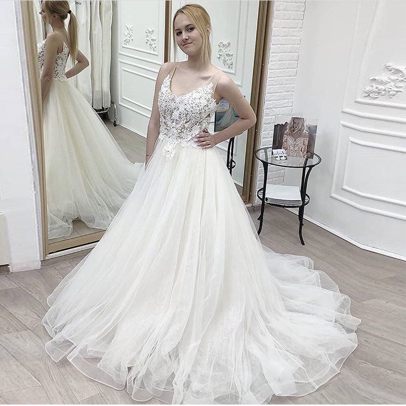 V-neck Wedding Dress White Ivory Illusion Bodice Sleeveless A-line Bridal Dress Sparkle Appliques Robe De Mariée Sweep Train