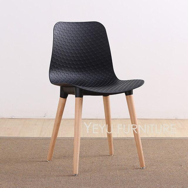 Design Moderne En Plastique Et Solide En Bois Jambe Cote Salle A