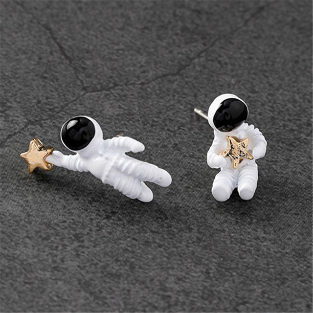 Asymmetric pentagram contracted earrings fashion ladies earrings space astronauts small stud earrings fashion woman earrings