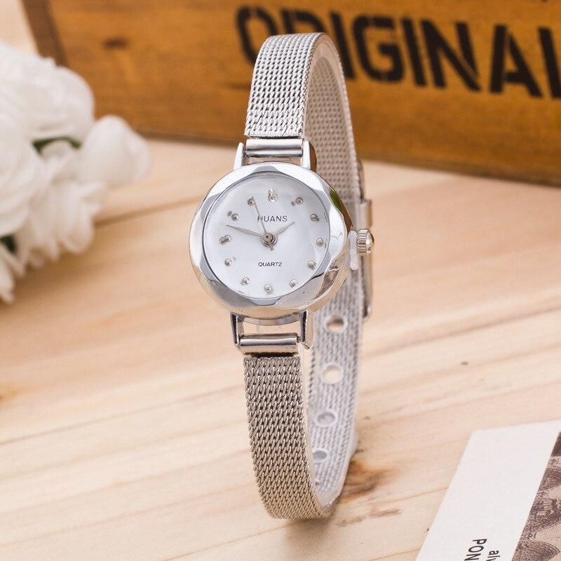 2018 New Fashion Delicate Small Dial Watch Geneva Brand Boy Girl Student Sport Silver Golden Metal Mesh Bracelet Watch Montres