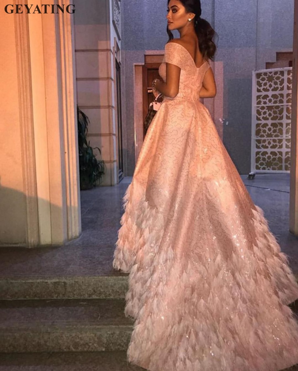 Bling Blush Pink Luxury Dubai   Evening     Dress   2019 Elegant Off Shoulder Arabic Feather Prom   Dresses   Long Elegant Formal Party Gown