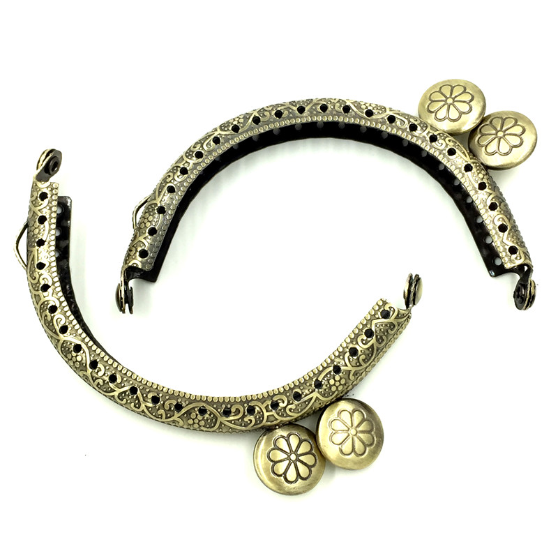 10Pcs Bronze Tone Flower Carved Arc Metal Frame Kiss Clasp Lock Handle Coin Purse Bags Parts Accessories 86x52mm in Jewelry Findings Components from Jewelry Accessories