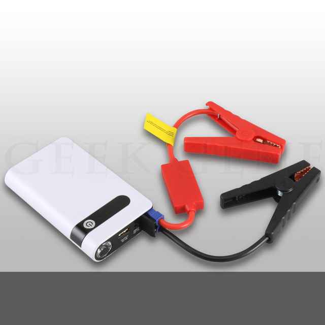 High Quality Ultra-Thin SOS Light Mini Auto jump starter booster Mobile Emergency Car Jump Starter Power Bank for cell phone
