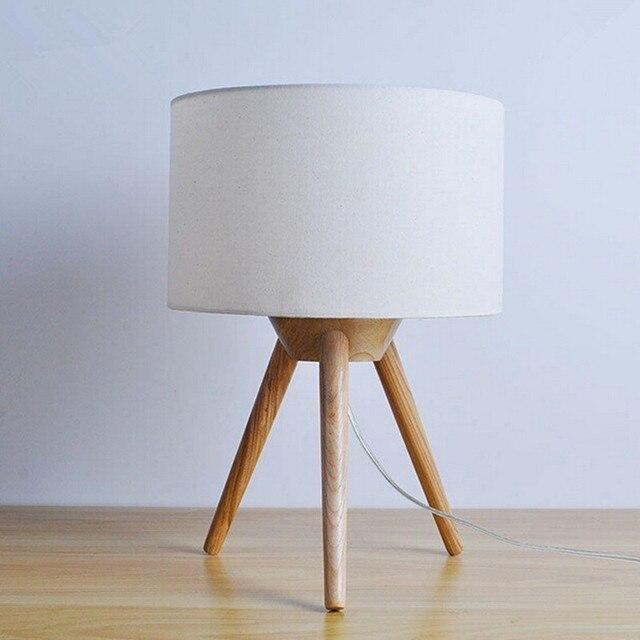 Современная настольная лампа дерево света led свет Ткань абажур Три ноги лампа спальня лампа Рабочий стол