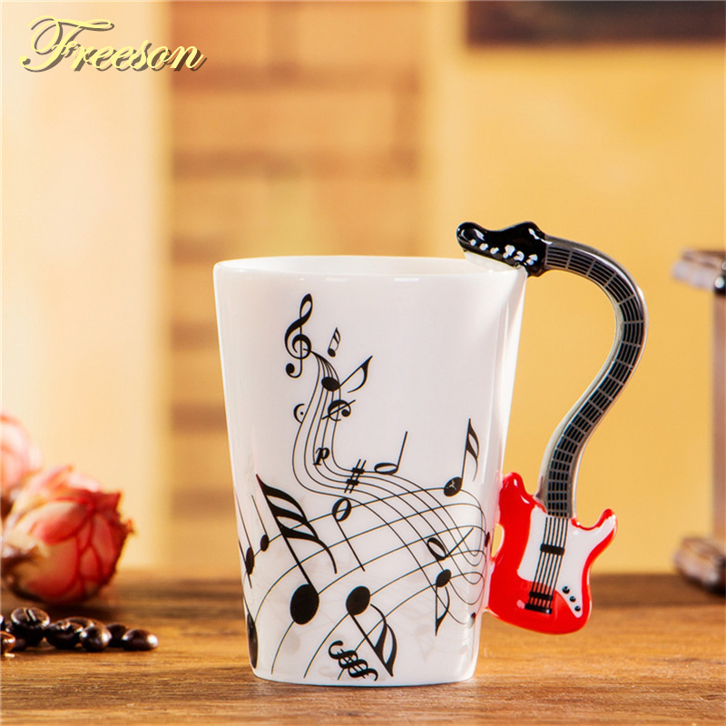 240 / 400ml Kreatif Gitar elektrik Mug Muzik Beer Mug Ceramic Coffee Cup Porcelain Tea Cup Cafe Coffee Mug Tumbler Decoration
