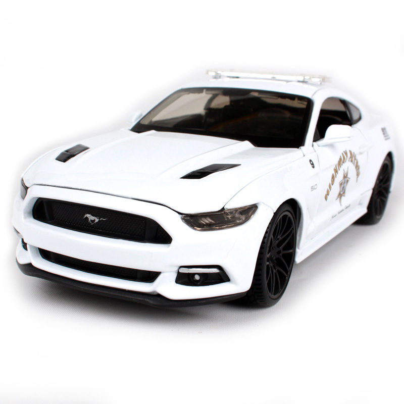 Maisto 1:24 2015 Mustang GT-White car diecast for Ford police classical car model mini motorcar collecting for men 32514 hot sale ford mustang police 1 18 welly s281 original alloy car model toy matte black fast