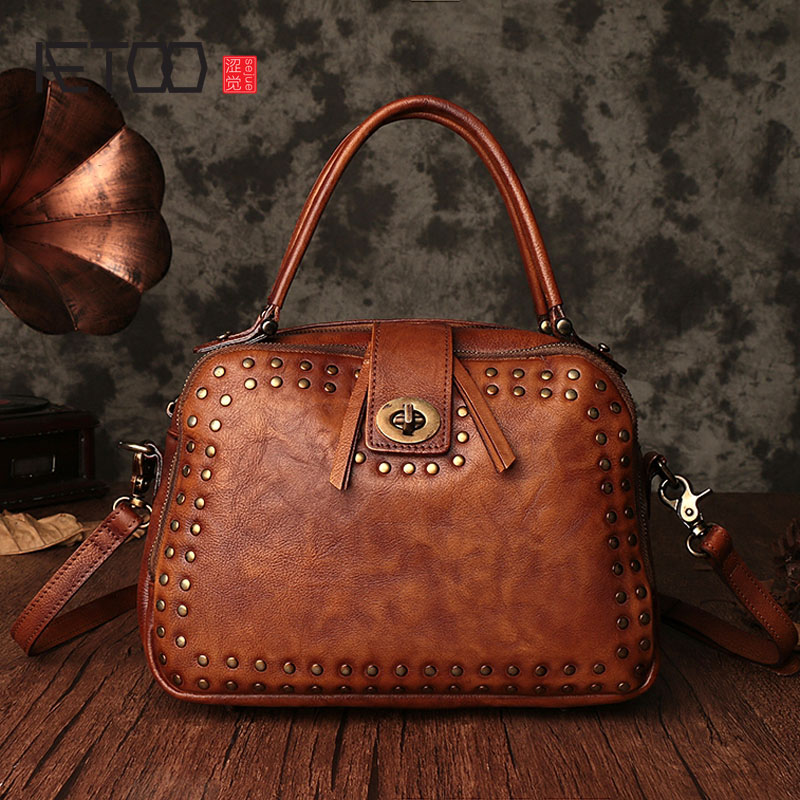 AETOO 2017 autumn and winter new handbags fashion vintage color grafting mix leather rivets hand-held diagonal packageAETOO 2017 autumn and winter new handbags fashion vintage color grafting mix leather rivets hand-held diagonal package