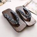 2016 Verano hombre calle Sandalias Zapatos Zuecos Zapatillas De Madera Geta Japonés Cosplay Hombre Banco Flip Flop Talón Plano Zapato