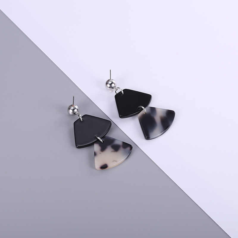 Trendy 2018 Fan-shaped Geometric Acrylic Dangle Earring for Women Ethnic Black Statement Drop Earring Wedding Party Jewelry Gift