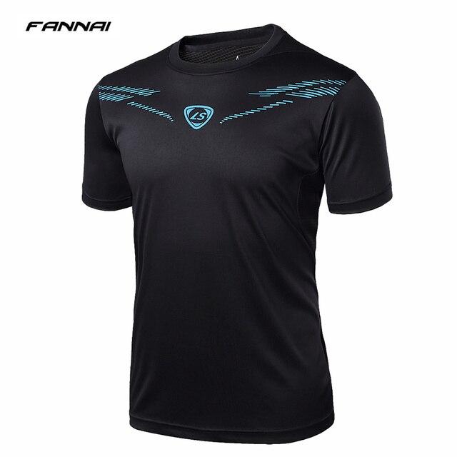 2018 verano nuevo camisetas de fútbol rápido seco hombres T camisas fútbol  transpirable equipo camisetas top ee030a57cd2e0