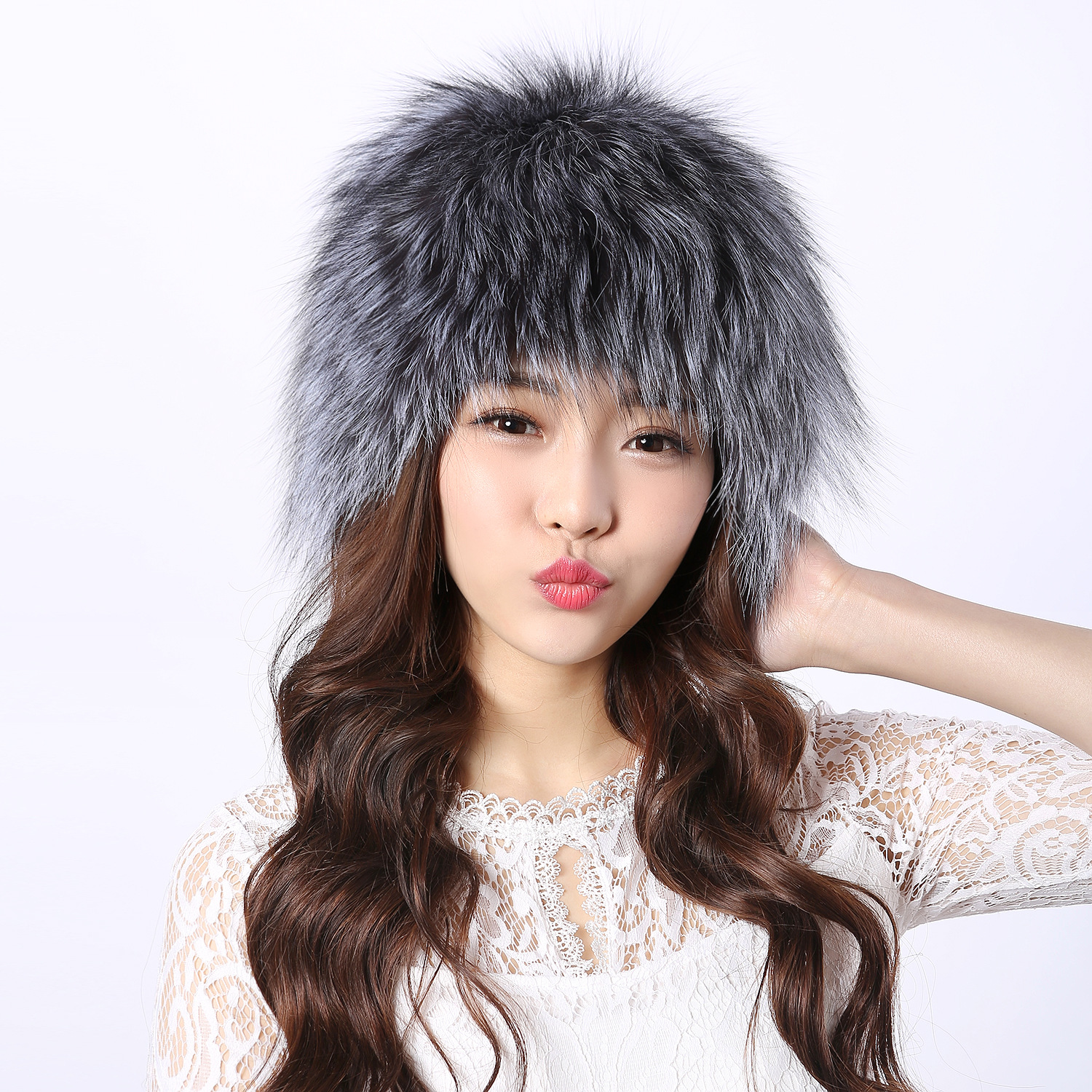 The new version of  the whole genuine fox fur skin hat warming windproof knitted cap winter fox fur hat bodies the whole blood pumping story