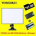 Yongnuo yn300 yn-300 de aire 3200 k-5500 k aire pro cámara de vídeo led luz con np-f550 batería y cargador para canon nikon