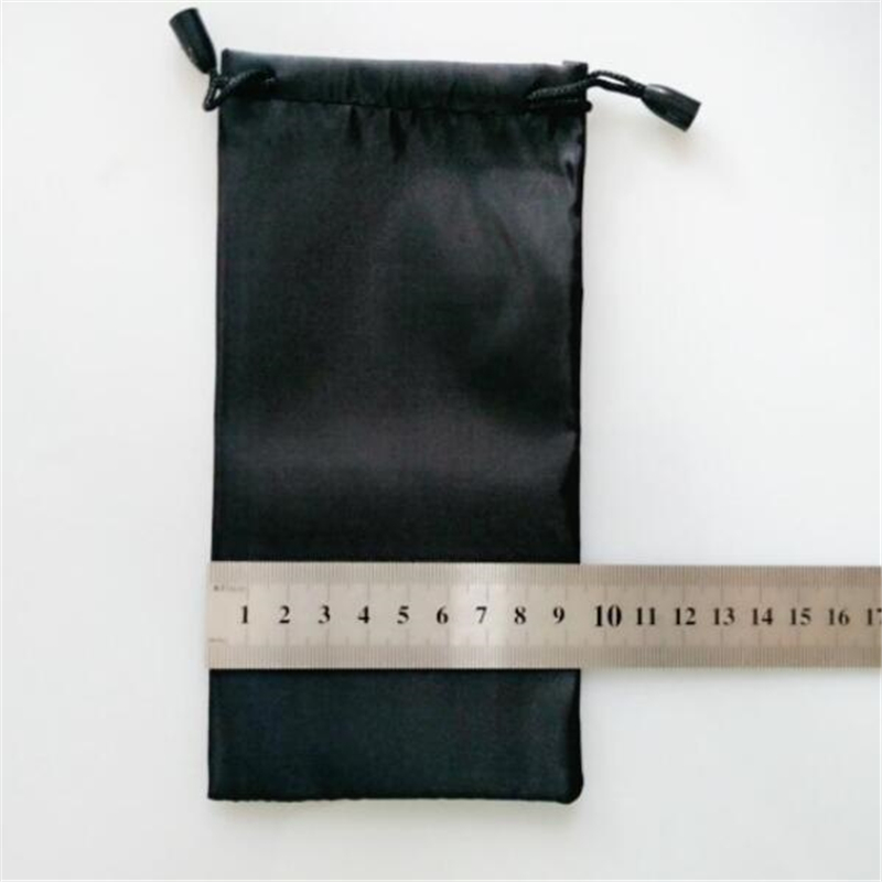 Image 3 - 100 pcs/lot 18*9cm Glasses Case Soft Waterproof Plaid Cloth Sunglasses Bag Glasses Pouch Black Color Wholesale Good Quality-in Eyewear Accessories from Apparel Accessories