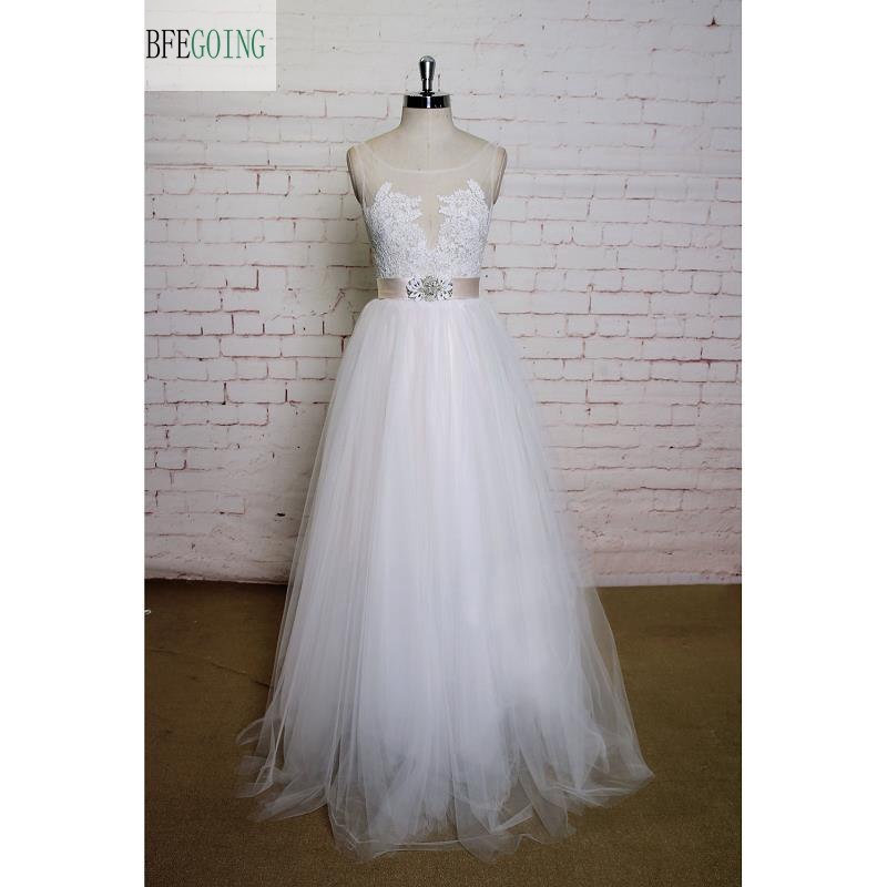 White Lace Appliques Tulle Scoop Floor-Length Wedding dress Sleeveless Real/Original Photos Custom made