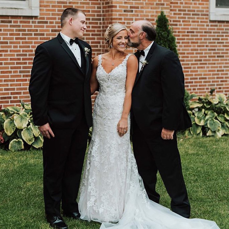 2019 Lace Trumpet Wedding Dresses Spaghetti Straps V neck Vestido De Noiva Backless Women Party Bridal Dresses Custom Made