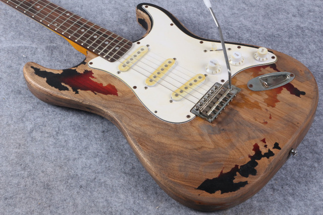custom shop high quality handmade RELIC Alder body and Canadian maple neck electric guitar ems Free shipping