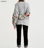 WISHBOP LICHT GRAU Handgemachte GESTRICKTE Pullover Rundhals Tropfen Schulter Langen Ärmeln mit Blumen Stickerei Jumper