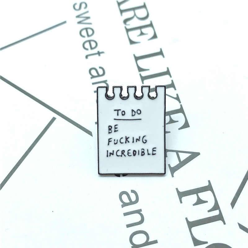 ใหม่สีขาวคู่ปฏิทินปฏิทินเข็มกลัดเด็กการ์ตูนสนุก badge ของขวัญเครื่องประดับเสื้อผ้า denim กระเป๋าเป้สะพายหลังจี้เครื่องประดับ