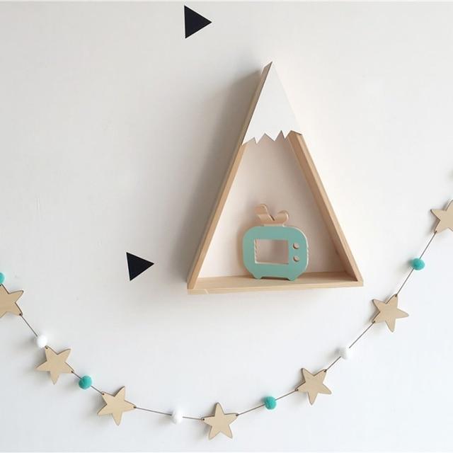 Guirlande étoiles bois et pompons