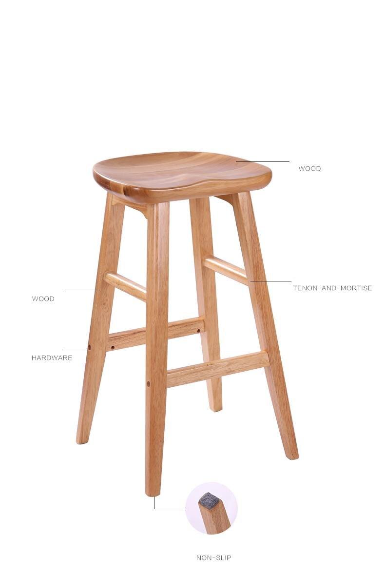 אחרונה מול כיסא עץ 6