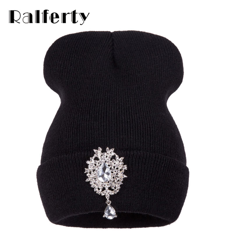 Ralferty 2017 New Winter Hats For Women Warm Knitted Luxury Flower Crystal Beanies Hat Female Skullies Caps Gorras Gorros 2016 new beautiful colorful ball warm winter beanies women caps casual sweet knitted hats for women outdoor travel free shipping