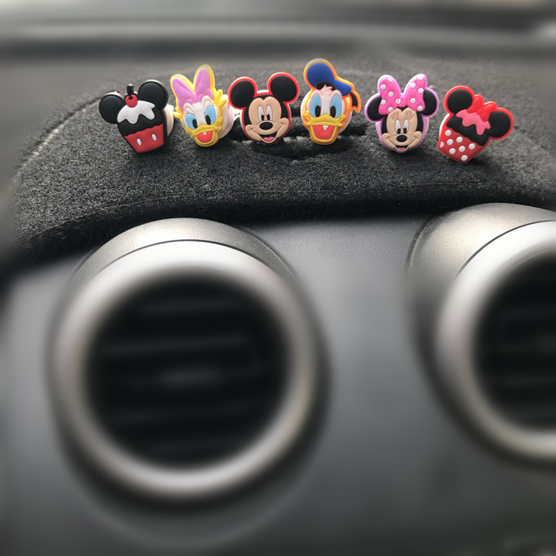 6 pcs Car Air Freshener Clip Air Conditioning Breathable Perfume Cartoon Minnie Fun Mickey car perfume
