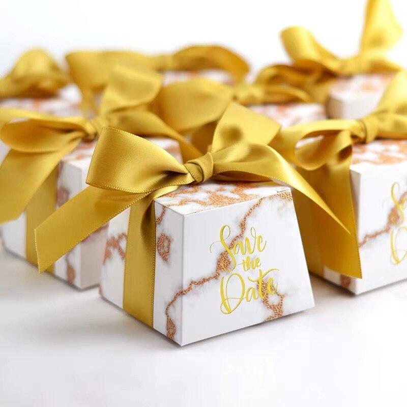100 x ไวน์สีแดง/ทอง Flamingo, ยูนิคอร์น, ดอกไม้ Trapezoid Candy กล่อง + ริบบิ้นงานแต่งงาน baby shower birthday party ของขวัญกล่อง-ใน ถุงของขวัญและอุปกรณ์ห่อ จาก บ้านและสวน บน AliExpress - 11.11_สิบเอ็ด สิบเอ็ดวันคนโสด 1