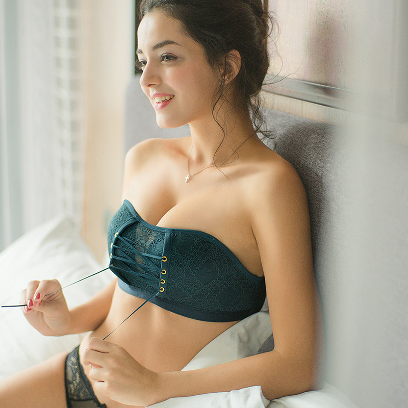 New brand ladies bra strapless invisible variety of wear-out methods fashion wild brassier underwear summer breathable gathered 1