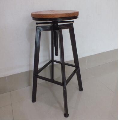 Iron art bar chair. Industrial wind revolving bar stool. Home lift bar chair. Solid wood high chair.009 real wood bar chair european bar chair iron art chair rotate the front chair