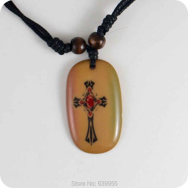Amuleto de colgante de resina de Cruz 05, regalo de la suerte, joyería de moda Tribal