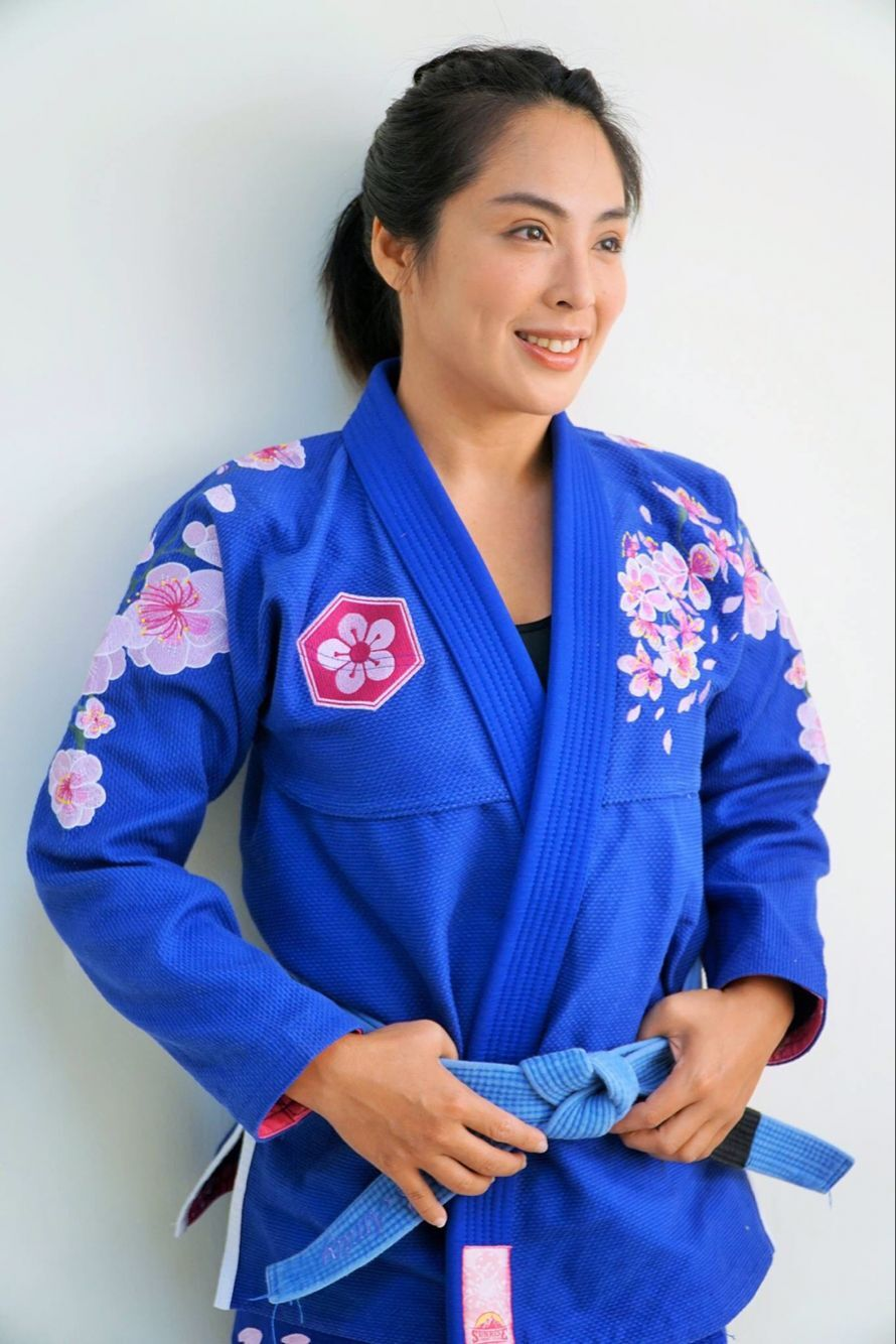 ladies BJJ kimonos sunrise sakura brilian jiu-jitsu gi girl's 100% cotton bjj gi image