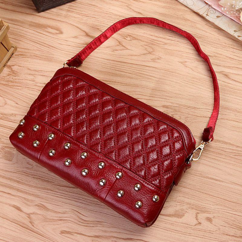 цена на Vintage Women Genuine Leather Handbags Fashion Rivet Cow Leather Messenger Shoulder Bags Bolsas Feminina High Quality Phone Bag