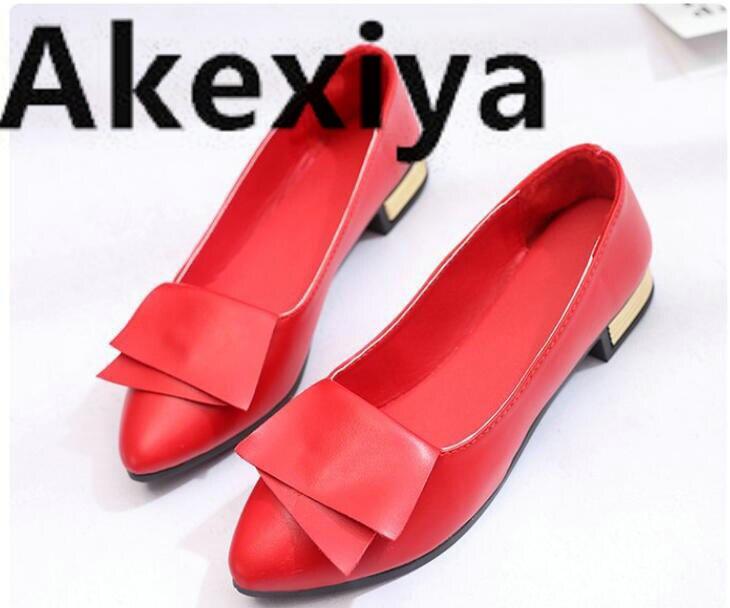2019 estate nuovo rosso singolo scarpe scarpe da donna scarpe a punta scarpe basse selvaggio piazza bocca superficiale scarpe paletta