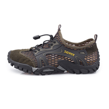 купить 2019 Summer Men Water Shoes Outdoor Beach Aqua Barefoot Shoes Quick-Dry Mesh Non-Slip Sneakers Black Outdoor Sports Men shoes дешево