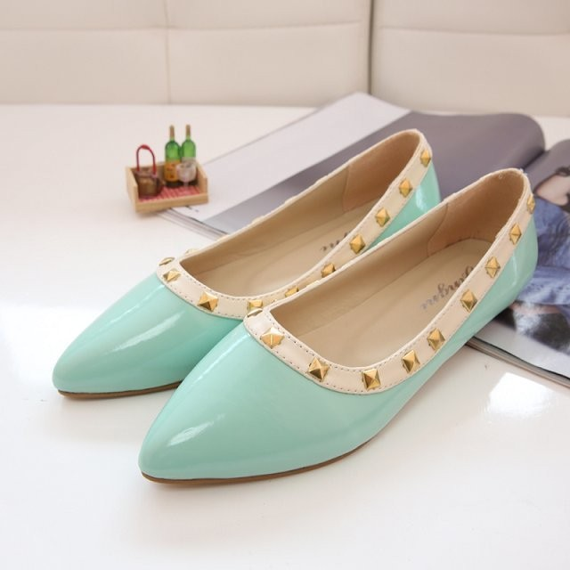 NEW-ARRIVAL-New-Women-s-Pointed-Toe-T-Strap-Sandals-Metal-Rivet-Studded-Comfy-Flats-Shoes
