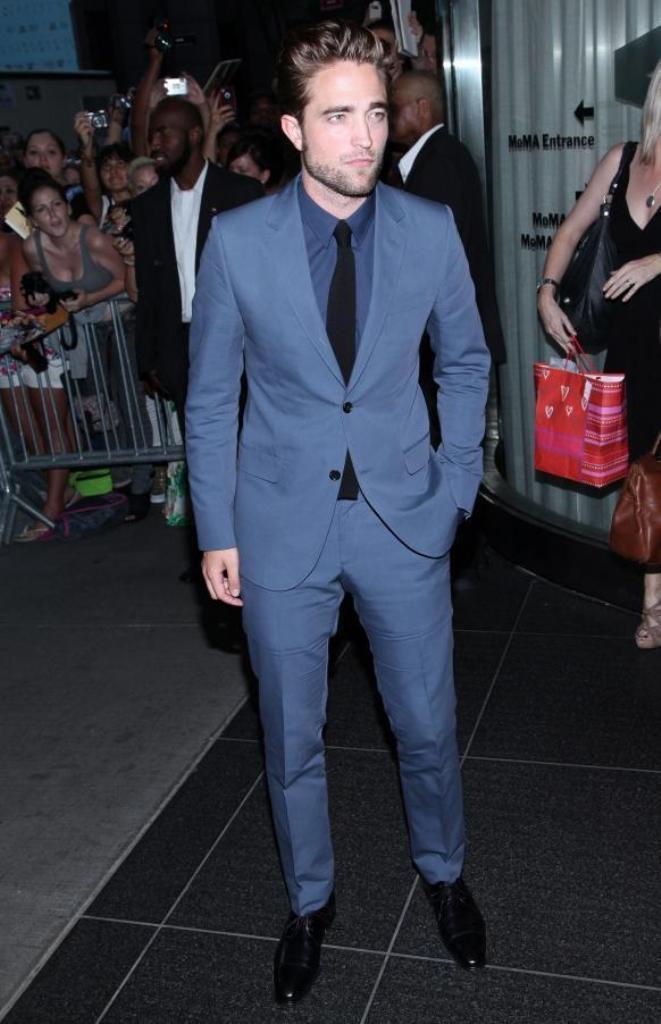 d2ed5162952ff Çentik Yaka Iki Düğme Bule Erkekler Takım Elbise Custome Homme Moda Smokin  Terno Slim Fit Masculino Yakışıklı Serin (Ceket + pantolon + Kravat)
