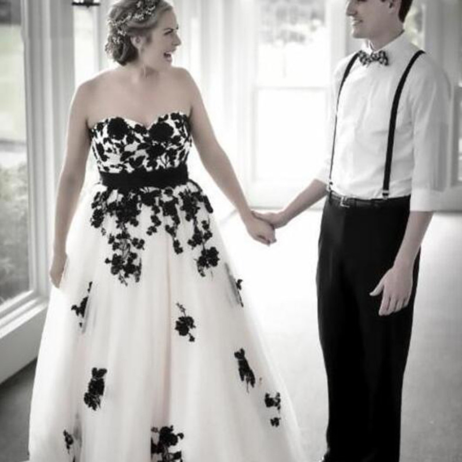 Vintage Wedding Dress Sweetheart Open Back Lace-up Black&White Lace Appliqued Tulle Bridal Gowns With Bow Belt