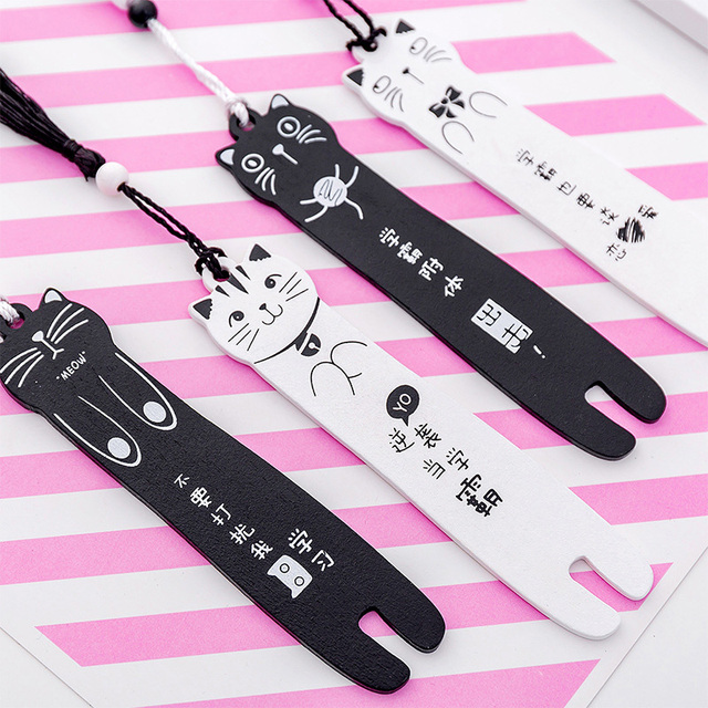 Kawaii Cartoon Cat Wooden Bookmark