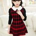 El otoño Y el Invierno Niña A Cuadros de Punto Vestido de Los Niños del Bebé Fashion Square Collar Costura Ocio Vestido de Princesa Caliente 3-12 Años