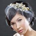 Бесплатная доставка, клетка короткое покрывало ретро невесты цвета слоновой кости кристаллы жемчуг, свадьбы тиару, белый невесты шляпа, FW55