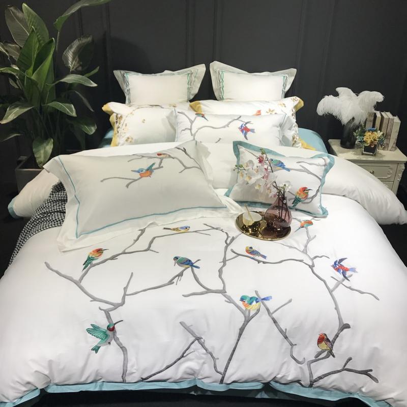 Di colore bianco di Lusso Biancheria Da Letto in cotone Egiziano Set Queen Letto King size set Ricamo uccelli Classica Cinese duvet biancheria da letto di copertura