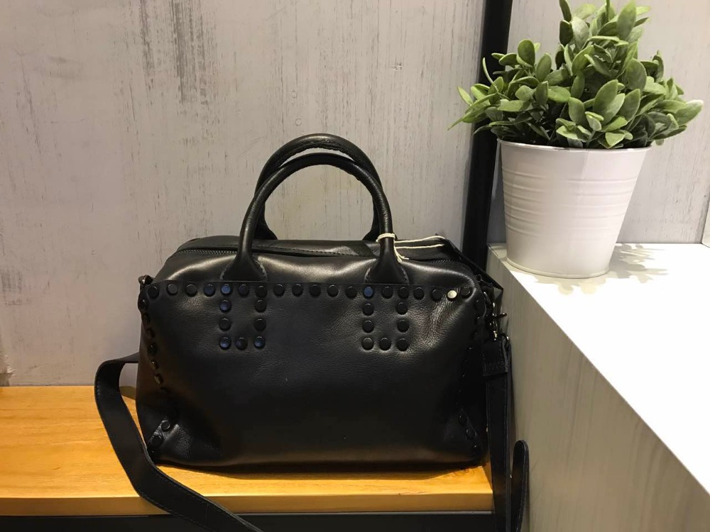 Vendange new fashion women causal European and American Style rivet vintage handmade genuine leather totes and messenger bag2216 dtbg pu leather women handbag fashion european and american style totes messenger bag original design briefcase zipper 2017