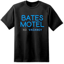 Mens Bates Motel Psycho Movie Sign T Shirt Horror Film Classic Hitchcock Retro Harajuku Tops t shirt Fashion