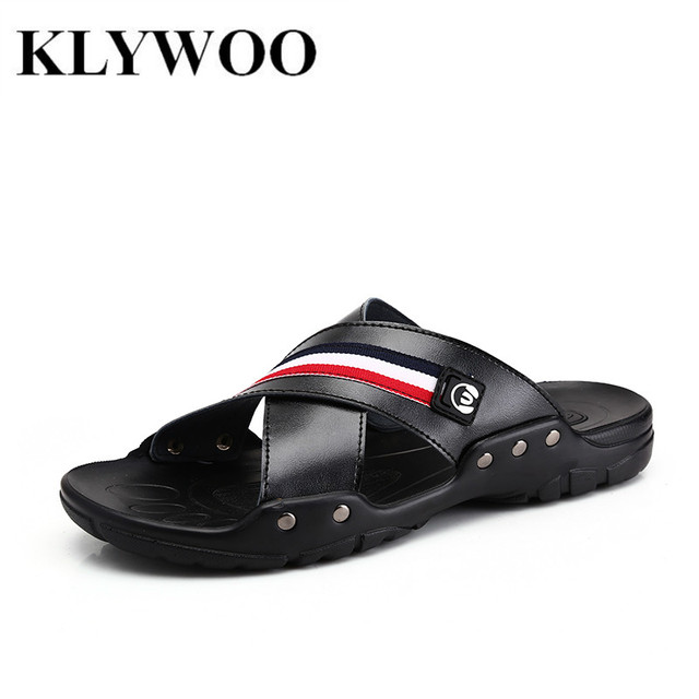 Nuevos Hombres de Cuero Sandalias de Verano Zapatillas de Playa Para Hombres Chanclas Sandalias Respirables Con Diapositivas Pisos Zapatos Casual Tamaño 39-44