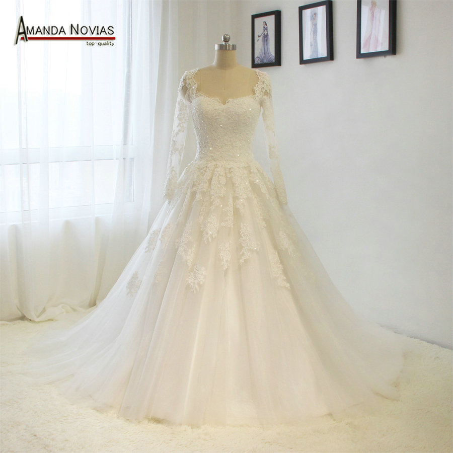 Wedding Dresses With Sweetheart Neckline And Sleeves: Long Sleeve Sweetheart Neckline Lace Appliques Wedding