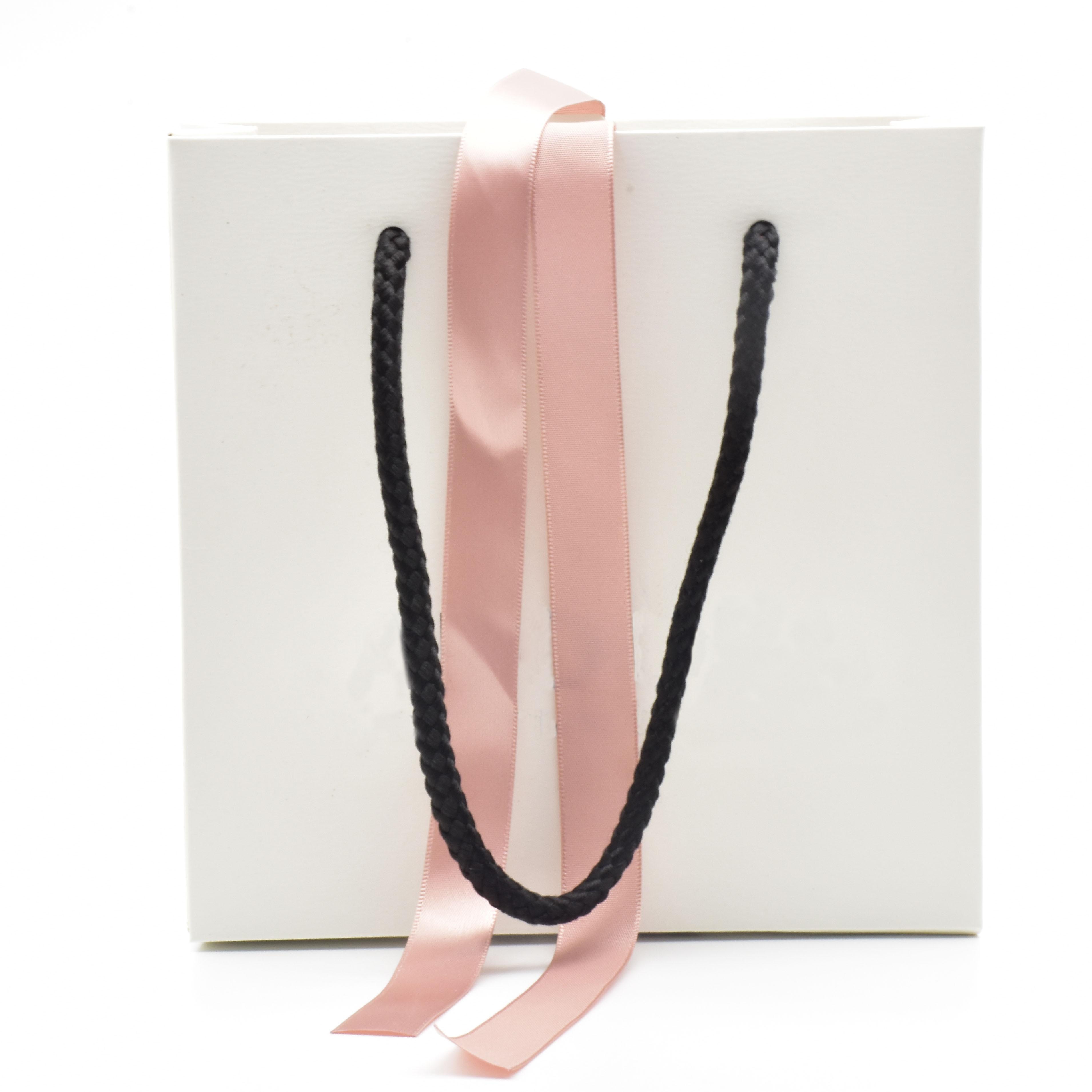 Wholesale 50Pcs Exquisite High-Quality Classic Paper Gift Bag Fit Original Pan Jewelry Box Packaging Bag Shop 16*16*6cm