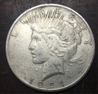 1924 D United States Peace One Dollar made in pure silver (.900) 38.1mm